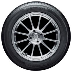Автомобильная шина Yokohama Blu Earth AE01 195 / 65 R15 95H летняя